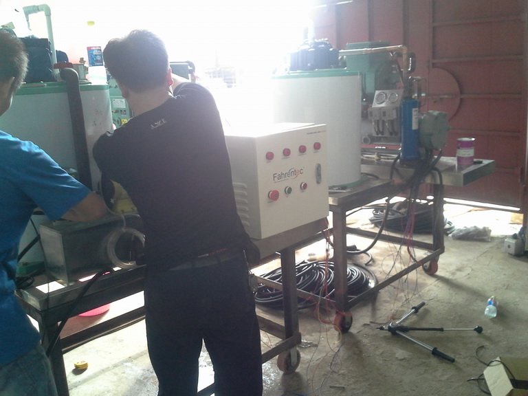 FIFB010M-S 1Ton daily marine type freshwater flake ice machine custom-made
