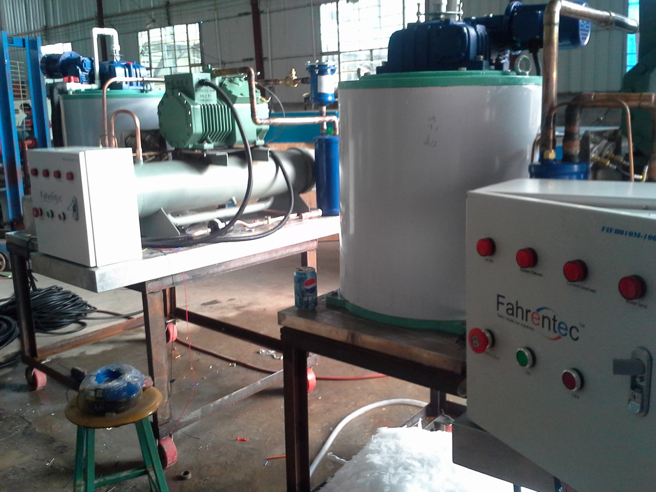FIFB010M 1Ton daily marine type flake ice machine